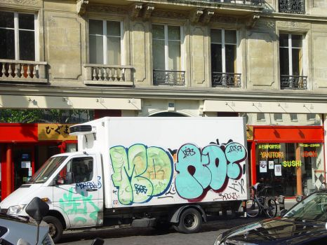 graffiti van by thepathifollow