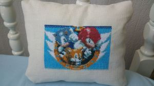 Sonic and friends pillow by Clairtjow
