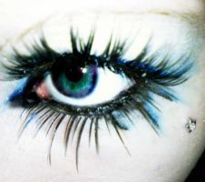 eye make up. by Manda-Massacre