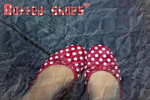 Dotted Shoes by Juuulii