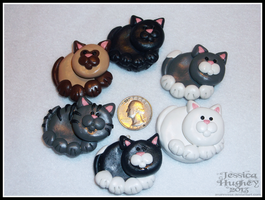 Small Fat Cats Ornaments by AnahRessa