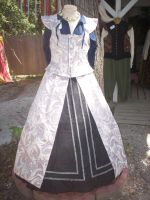 Renaissance Costume - Female 4 by sd-stock