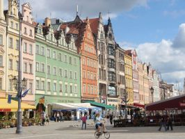 Town square in Wroclaw by Woolfred