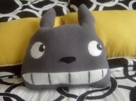 Totoro Pillow by VivaLaNikki