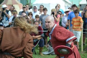 fight scene2:Lachute medieval by damocles-shop