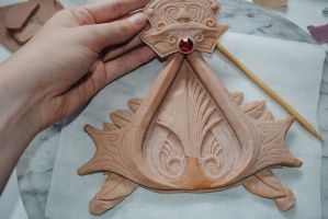Ezio Brotherhood Insignia WIP1 by rabid-llama