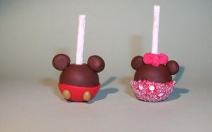 Disneyland Candy Apples by sariberrie