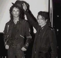 Michael+ having fun with wax statue of him by countrygirl16mj