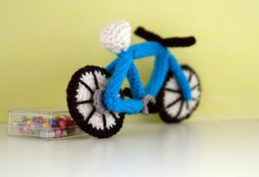 Crochet bicycle amigurumi by tinyAlchemy