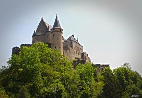 Chateau de Vianden by J222R