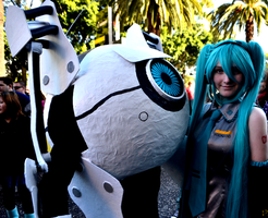 Supanova 2011: Miku and ATLAS by WhatTheFoxBecca
