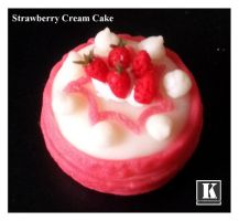 Strawberry Cream Cake by kuroso