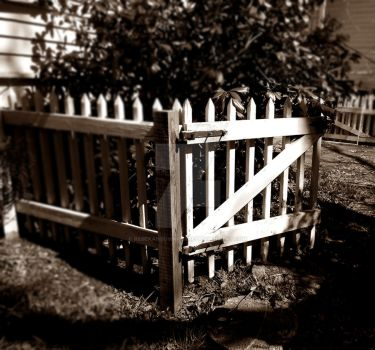 Simple Picket Fence by RebeKahsOwnPlace
