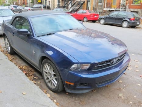 2012 Ford Mustang V6 Premium Convertible - Side by Kitteh-Pawz