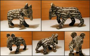 Baby Tapir Sculpture by LeiliaClay