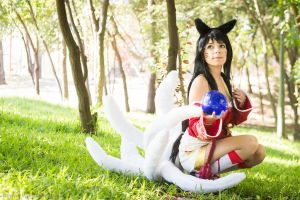 Ahri Cosplay by AsamiKyu