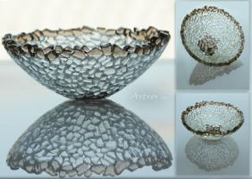 glass bowl by MakajaKitoshi