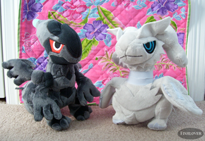 Zekrom And Reshiram Pokedolls by Fishlover