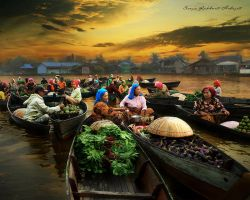 Floating Market by Suryarakhmathidayat