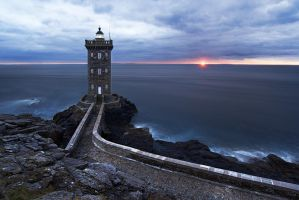 Atlantic Lights II: Phare de Kermorvan by NicolasAlexanderOtto