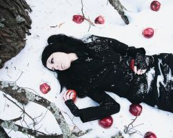 Snow white 3 by AskaTao