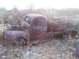 Old rusted ford truck by cleminem9919