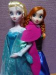Elsa and Anna Classic Disney Store Dolls 2 by SHANNON-CASSUL-LOVER