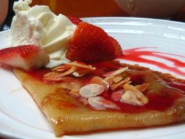 Strawberry Crepes by sassin