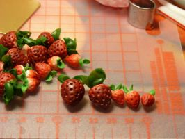 A Pile of Strawberries by nyann