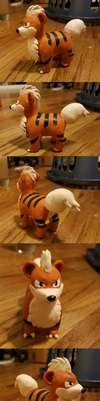 Growlithe Sculpt by kangaloon