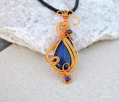 Lapis Lazuli wire wrapped pendant - OOAK by IanirasArtifacts
