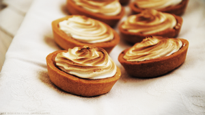 Lemon Meringue Pies by Cachahuete