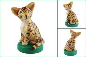 Bengal Cat Sculpture by LeiliaClay