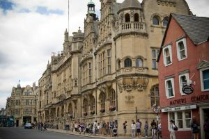 The museum of Oxford by LunaticDesire