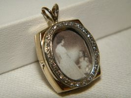 Framed Picture locket/pendant by gokusonwing0