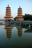 Dragon and Tiger Pagodas by esee