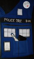 TARDIS Purse- Completed by HuntressArria