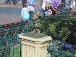 Minnie Mouse Statue by BigMac1212