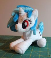 Vinyl Scratch Beanie Sitting by JanellesPlushies