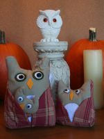 Plush Owls by nondecaf