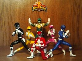ULTIMATEfiguarts - Mighty Morphin Power Rangers!!! by ULTIMATEbudokai3