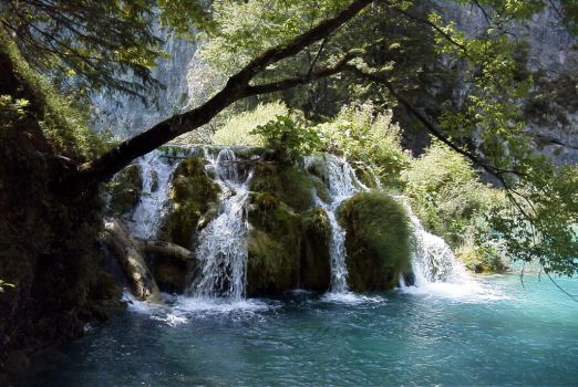 Plitvice by MauraGreen