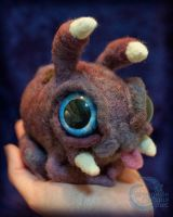 Needle-felted Zergling (view 2) by crocodiledreams