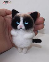 Grumpy Cat brooch needle felted pin by WoolArtToys