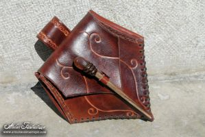 Poison leather purse by AtelierFantastique