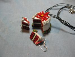 Claymas 2010-Holiday Cake by kitcat4056