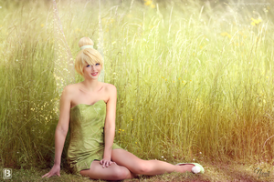 Tinker Bell and Pixie Dust by N4miine