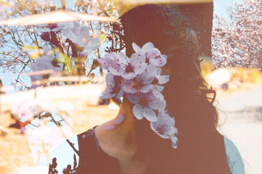 Natalie is a flower duh by MakaML