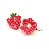 Strawberry kanzashi w shibori by offgenemi