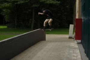 Nosa, front Noseslide by eddiethink